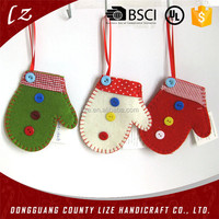 Factory price OEM felt christmas wholesale gloves ornament