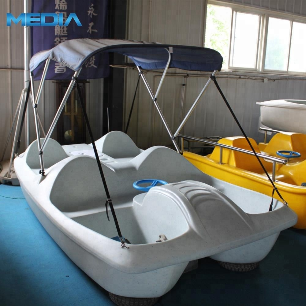 High Quality Durable LLDPE Boat on <strong>Water</strong> Made by Rotomolding Machine