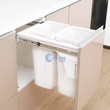 Cupboard Plastic Smart pull out Trash Can With Lids