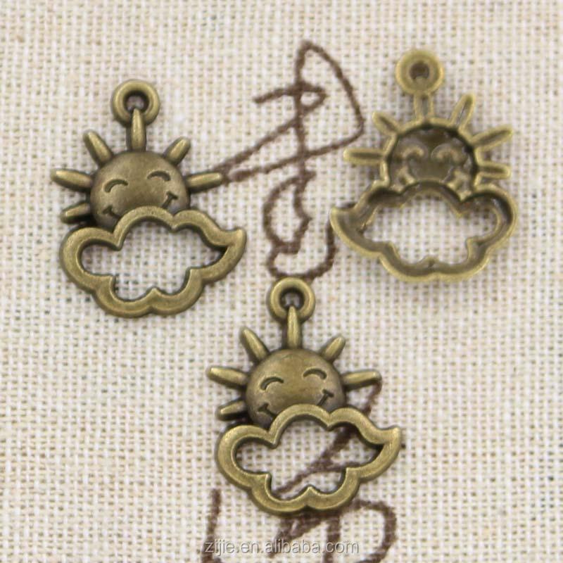 10 x Tibetan Silver SUN /& CLOUD WEATHER Charms Pendants Beads