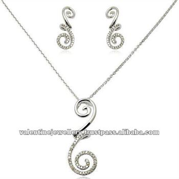Small pendant set with chain in diamonddiamond white gold pendant small pendant set with chain in diamond diamond white gold pendant necklace gold pendant aloadofball Image collections