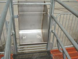 ^farrowing crate type and pig use pvc room divider