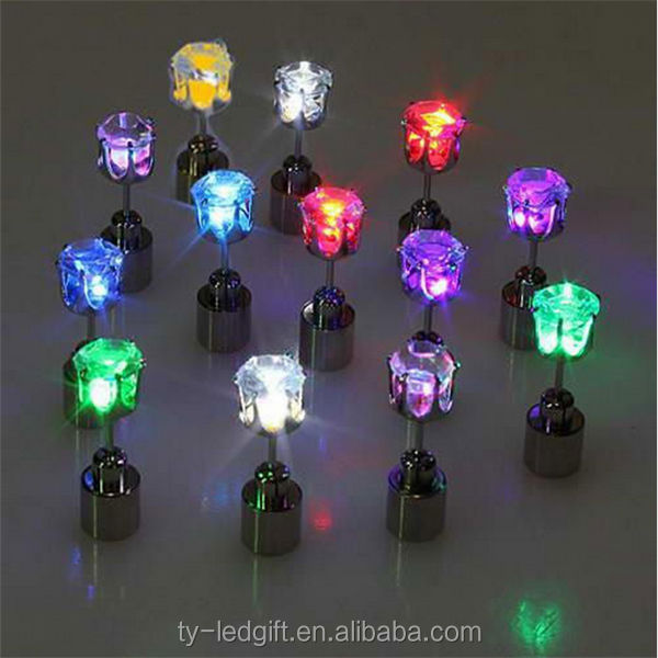 New product hot selling led earring flashing lighting up earring