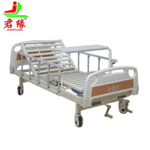 2018 new products 2 functions cheap manual hospital bed central control castors used hospital beds for sale