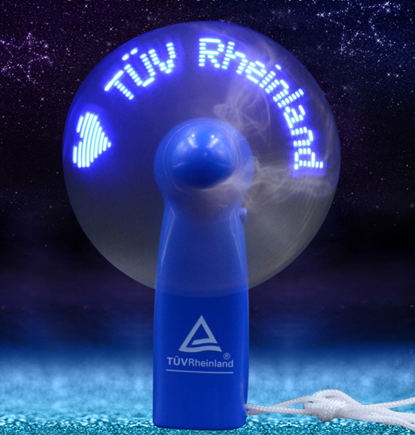 Produk Baru Kustom Logo dan Teks LED Mini Portable Rechargeable USB Fan dengan Lampu LED