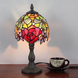 "High quality 7"" wide tiffany stained glass rose design table lamp"