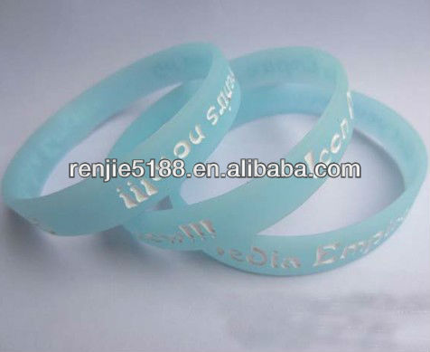 Sky blue bracelet,debossed logo with white color filled silicone wristand,for business promotion