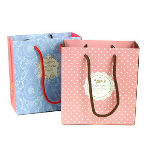 Wholesale Newest Design High End Printed Shape Paper Gift Shoe Packaging Bag