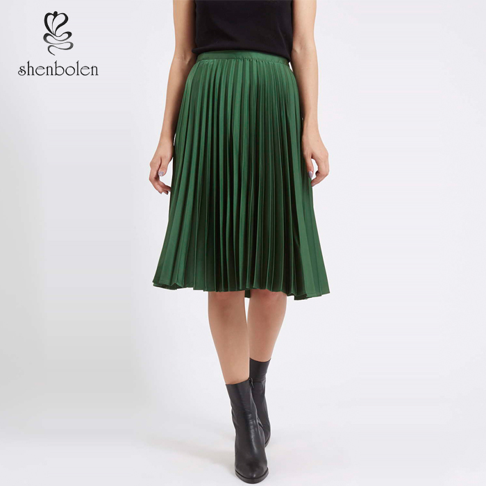 f56a8f358c falda de raso verde imágenes