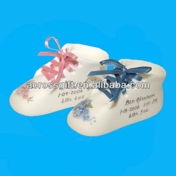 Mini ceramic baby shoes
