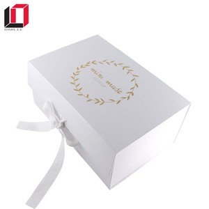 Cardboard paper magnet folding dress packaging box with ribbon closures