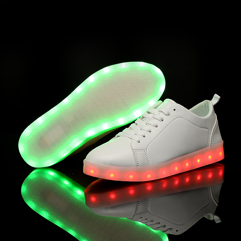 Welcomed unisex Led light white sport shoes glow sneakers running shoes