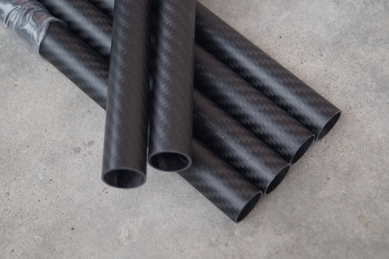 Factory direct customed /wholesale 3k carbon fiber tube by roll wrapped
