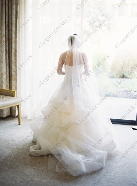 2015 Simple Beautiful Long One Tier Tulle Cathedral Bridal Veil With Comb Long White/Ivory Wedding Veils In Stock