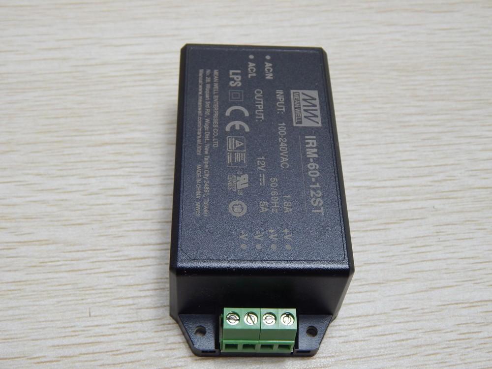 SMCJ1.5KE51A-TP Pack of 100 TVS DIODE 43.6V 70.1V DO214AB