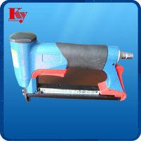 Pneumatic stapler/Air coil nailer CN70