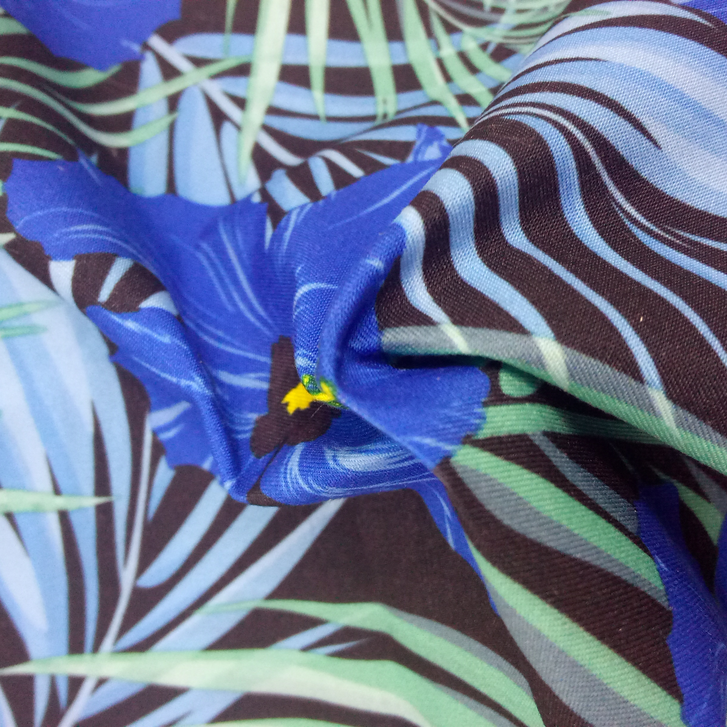 100% <strong>Polyester</strong> Soft Shiny Pattered Stain Flower Deying Fabric For Dress Or Lining