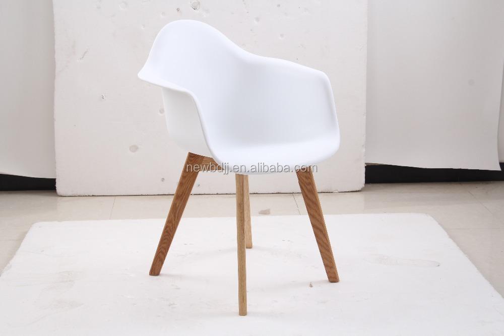 Promoci n moderna de madera pierna silla con apoyabrazos for Sillas comedor plastico