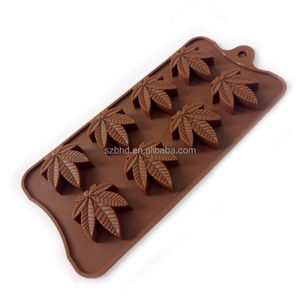 8 Cavity Maple Leaf Shape Chocolate Mold FDA Silicone Candy Chocolate Mold