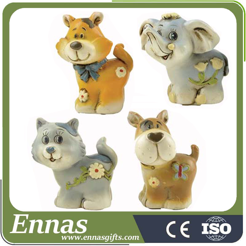 Polyresin animal figurines for table decoration