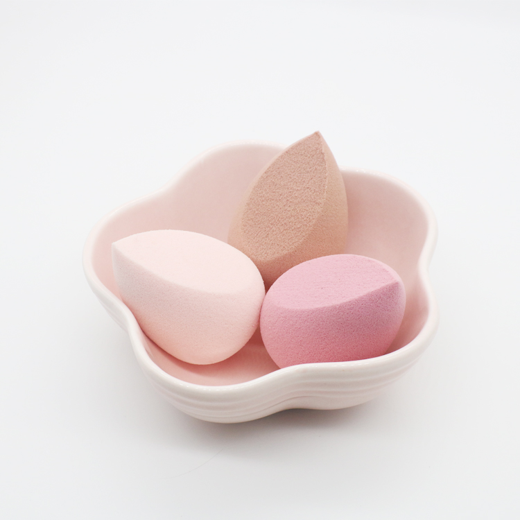Free Samples Non Latex Makeup Sponges Super Soft Cosmetic Powder Puff Blending Beauty Make Up Sponge Blender Factory Supplier