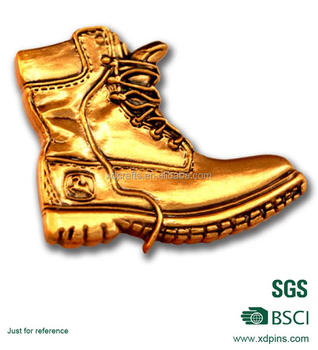 Perfect Promotional 3D Gold Plated Gold Shoes Personalised Lapel Pins For Shoes