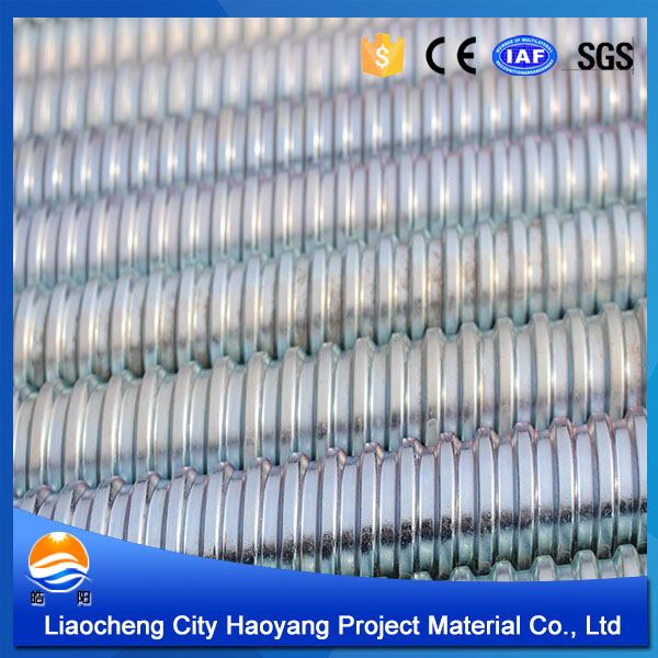 Self threading galvanized hollow pipe for construction equipment