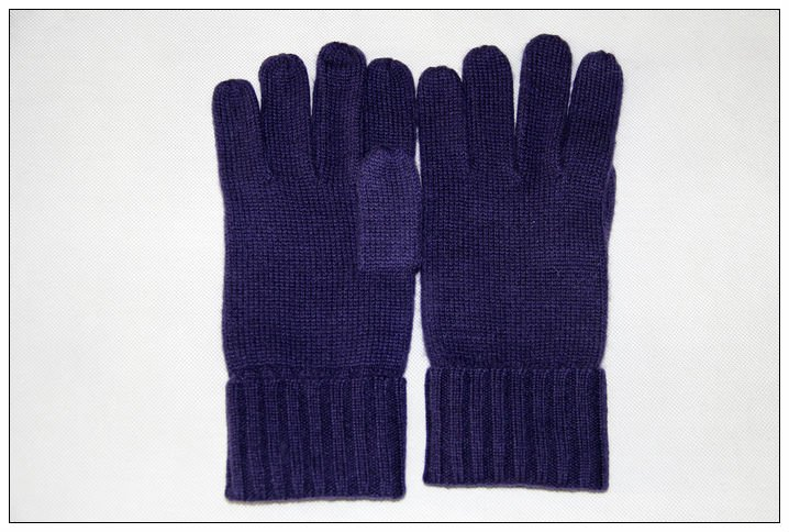 100 % WOOL GLOVES