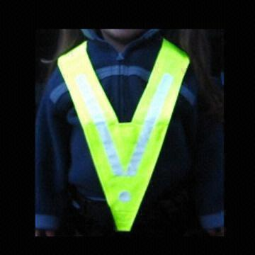 cheap kids safety vest EN417 with kid bicycle