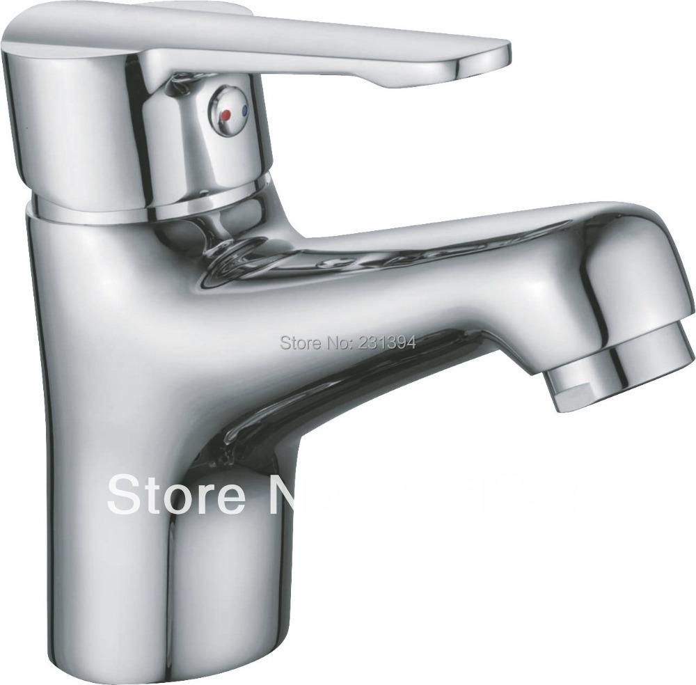 Wasserhahn Bad Reparieren. tropfender wasserhahn