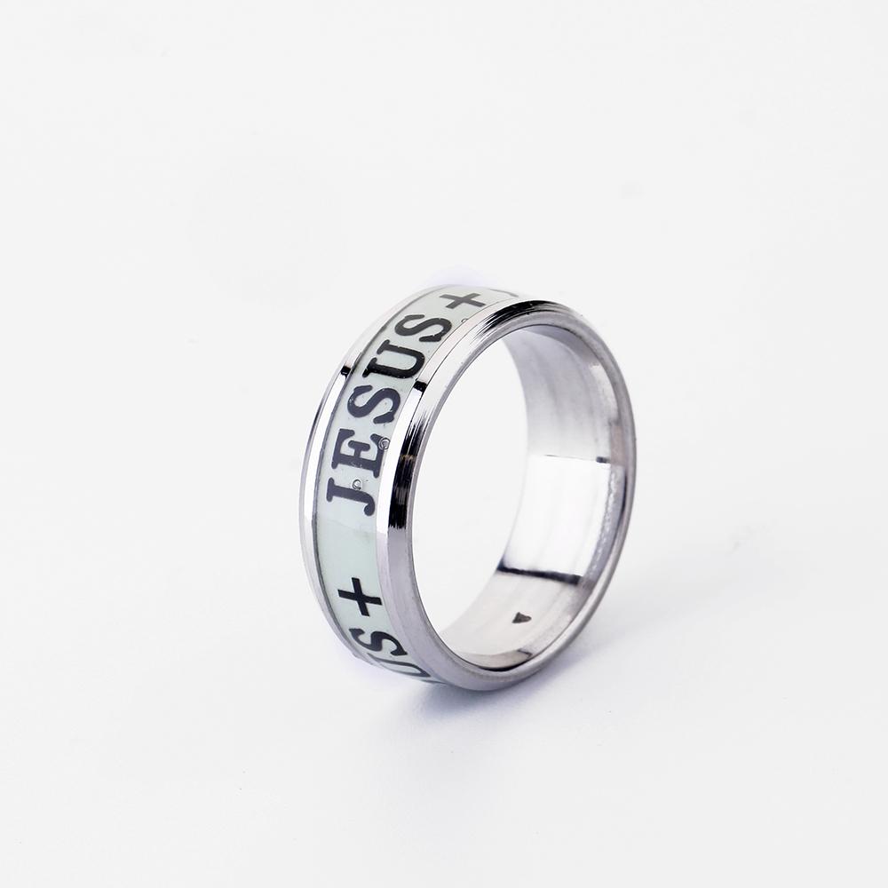 57be8d3cf4be El más nuevo diseño de la personalidad de joyería creativa Jesús +  brillando en oscuro anillos