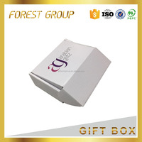 packaging and shipping corrugated paper recycle carton box