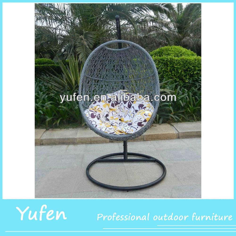 Muebles de jard n de rat n silla colgante de huevo con for Silla huevo colgante