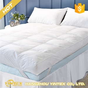 Classic skin-friendly best selling memory foam waterproof healthy massage breathable air mattress