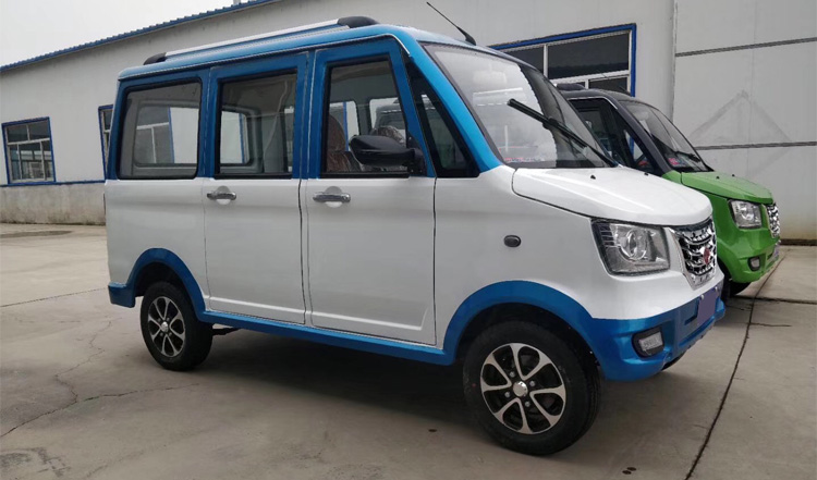 High Quality Luxury Eight Seats Adult Electric Car Electric Vehicle For Sale Made In China