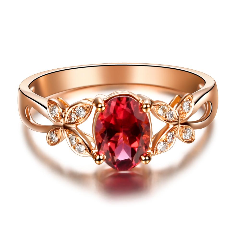 Считается, что кольца из благородных металлов снятся к успехам во всех начинаниях и финансовому благополучию.