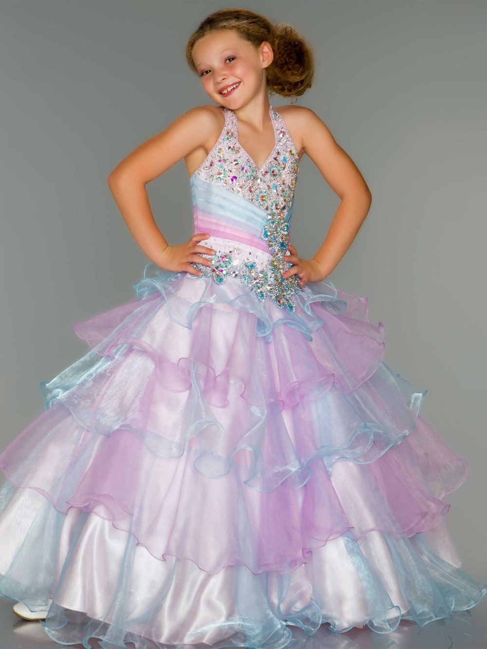 The dresses for girls at Kohl's provide a special look for that special occasion. Kohl's offers dresses for girls of all ages, including baby girl dresses, toddler girl dresses and up. Kohl's also offers a wide range of girls skirts for added formalwear versatility.