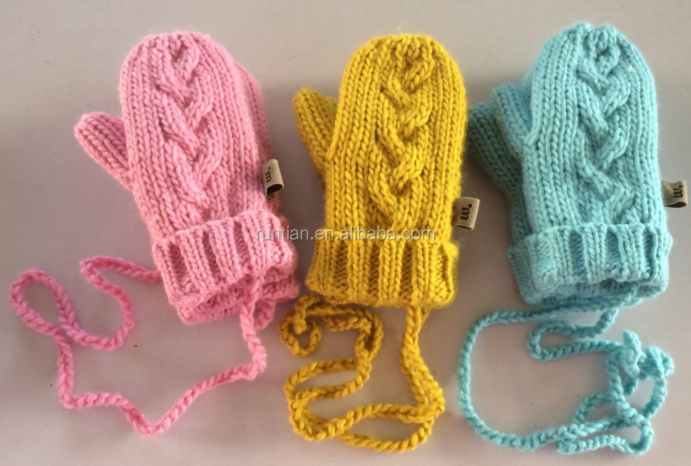 High Quality Girl's Acrylic Soft Thick Cable Knitting Mittens With Shu Velvet Lining