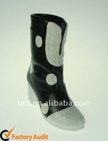 Ceramic flower vase boots shape