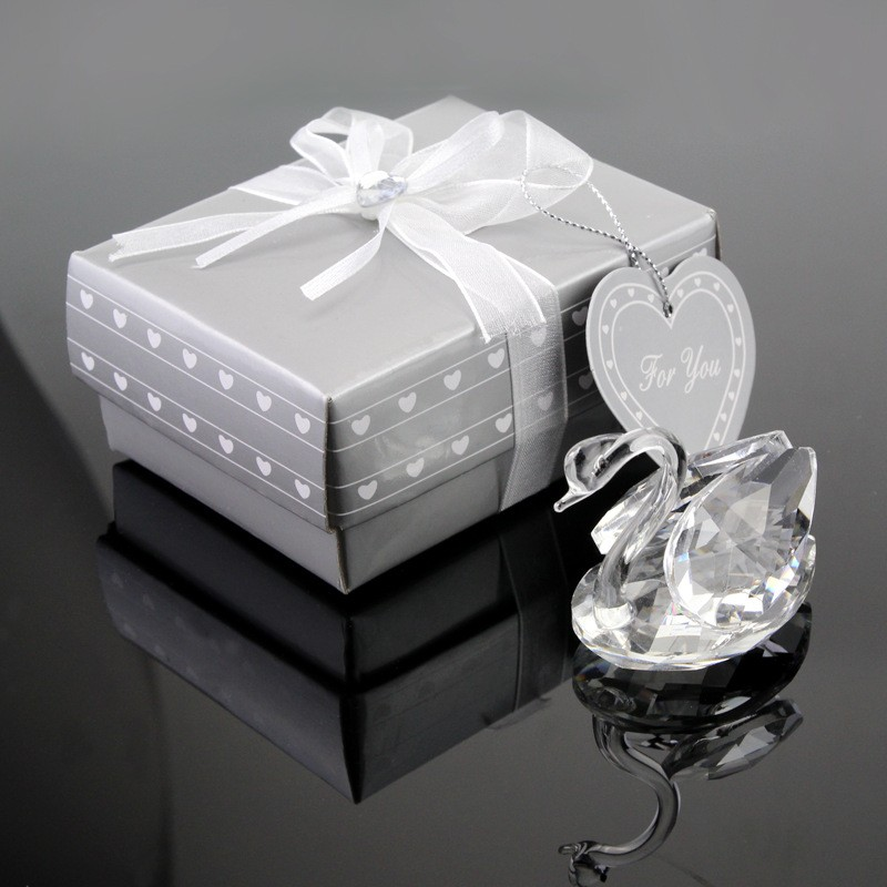 Wedding Gifts For Visitors : ... Wholesale Swan Crystal Wedding Gifts For GuestsAlibaba.com