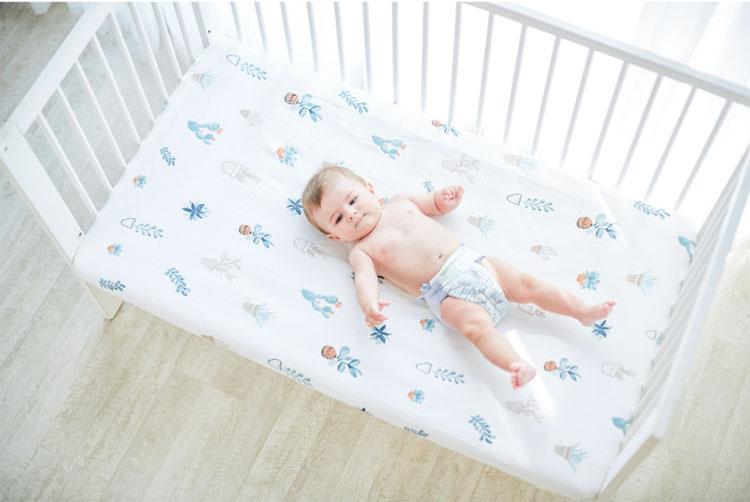 ผ้าฝ้าย 100% สะดวกสบายระบายอากาศได้ทารกติดตั้งแผ่นเตียง