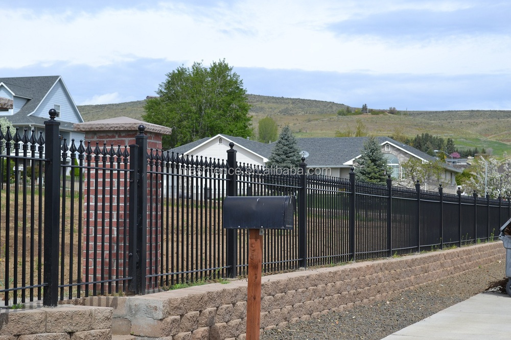 Spear Top Galvanized Prefabricated Steel Fence China