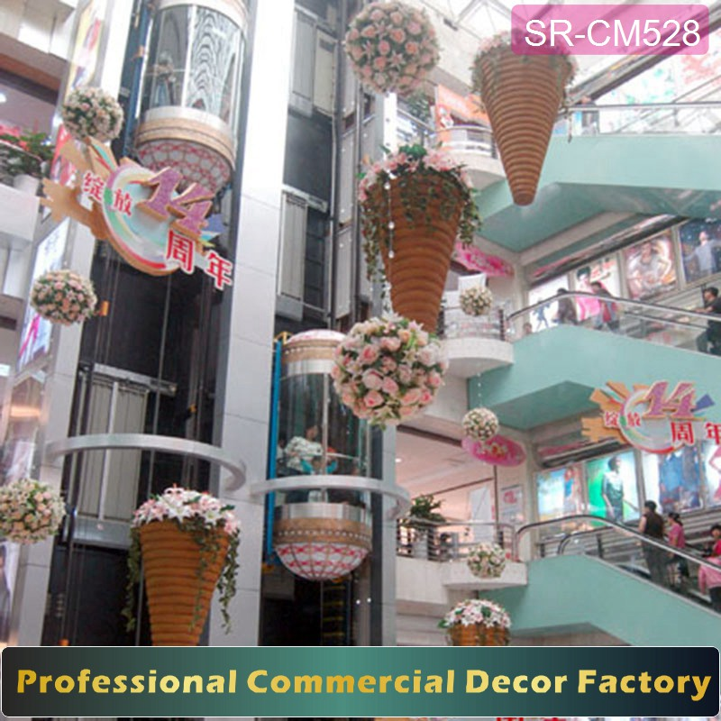 Customize shopping mall spring hanging summer flower decoration with basket