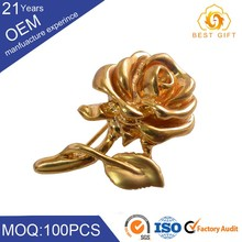 New Coming Cheap Gold Plated Chain Christmas Brooch