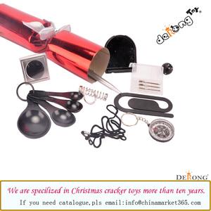 Christmas Cracker Toys.Derong Festive Wholesale Christmas Family Cracker Toys