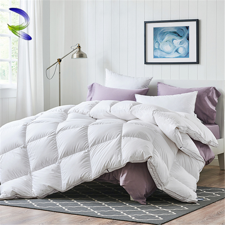 Factory supplier home and hotel winter king goose feather quilt