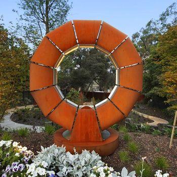 Art Garden Corten Stahlskulptur Dekorativer Metallschwimmen Ring