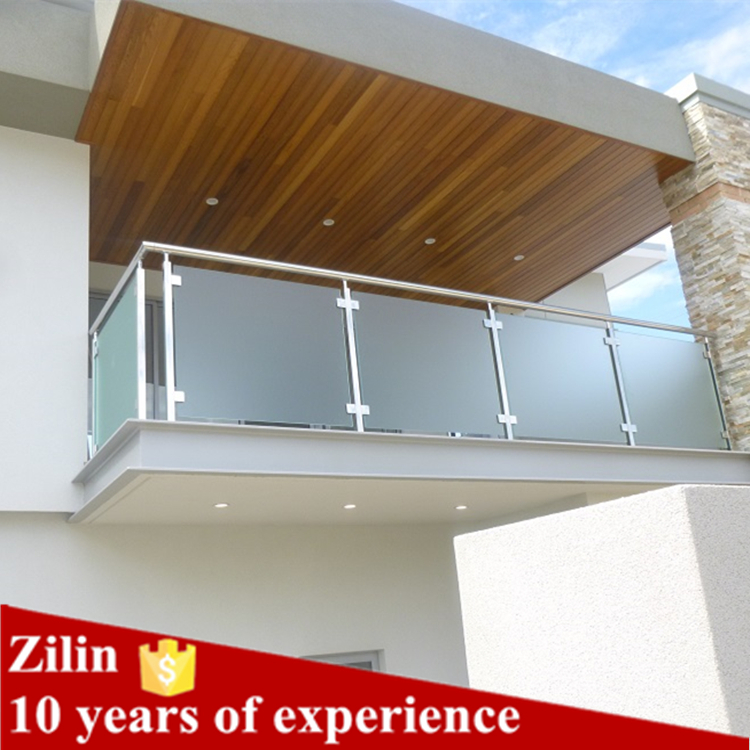House balcony railings glass panels for Glass balcony railing