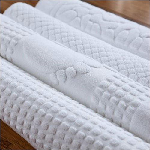 Long and Thick Zero Twisted Solid Bath Towel