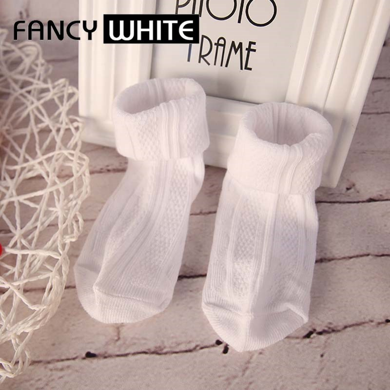 Hot selling custom cotton tube adjustable simple school children socks white